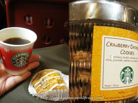 Starbucks Holiday Cake Pops