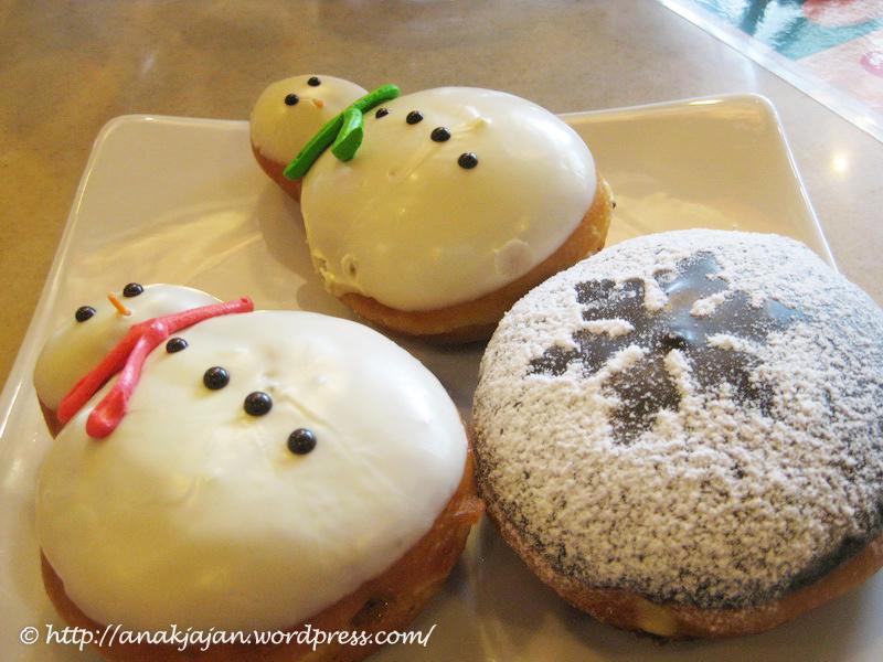 Snowman Pull Apart Cupcake Cake