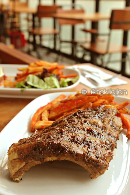 Juicy Pork Ribs with 17 Herbs IDR 143k