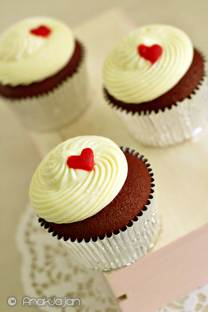 Red Velvet Cupcakes IDR 80k/ 6 pcs, IDR 110k/ 9pcs, IDR 140k/ 12pcs