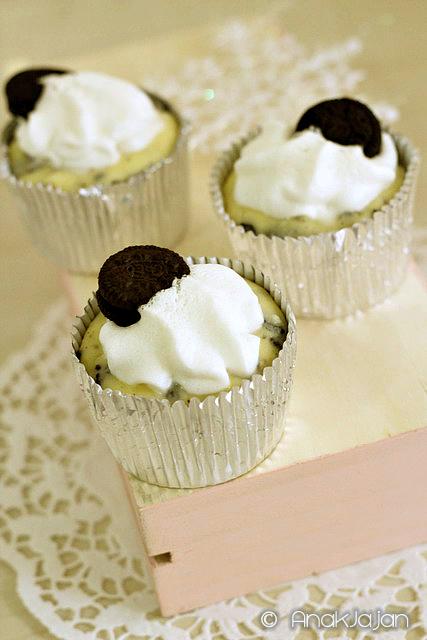 Oreo Minicheese Cake IDR 90k/6pcs, IDR 150k. 12pcs