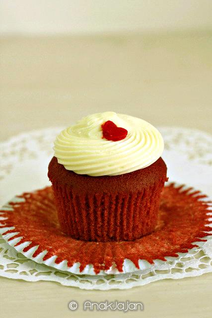Red Velvet Cupcakes IDR 80k/ 6 pcs