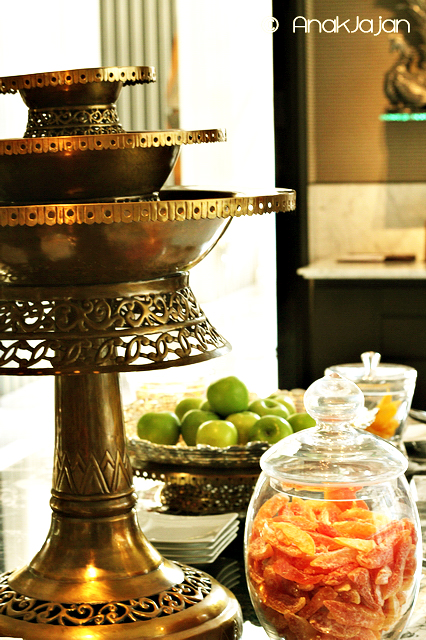 Fresh and dried fruit & nuts also available as complimentary