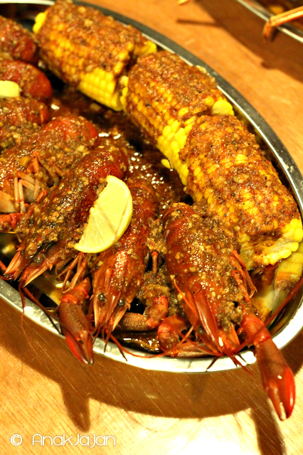 "Crawfish IDR 85k (seasoning : The Whole ""She Bang"")"