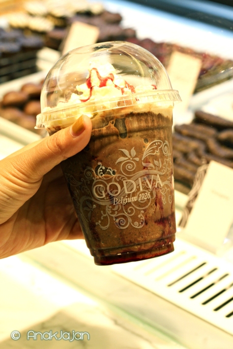 Ice Dark Chocolate Raspberry IDR 55k