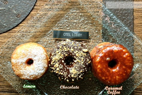 CRO-NUTS, Lemon Vanilla, Vanilla Chocolate Crunch, Coffee Caramel Glaze IDR 18k/pcs