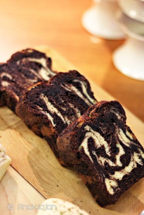 Cinnamon Chocolate Marble Cake IDR 15k