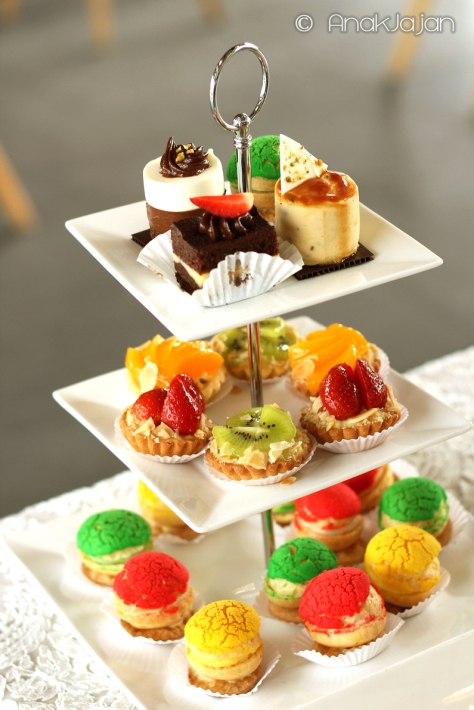 Mini Cakes, Fruit Tart, Sable Choux