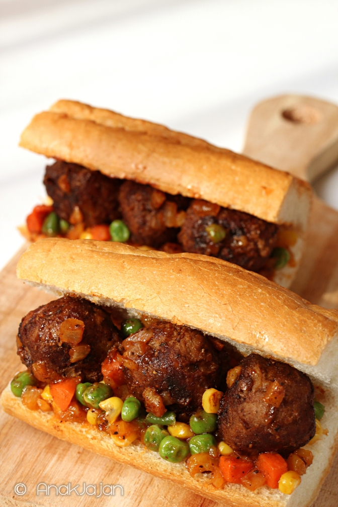 masaman curry meatball sandwich