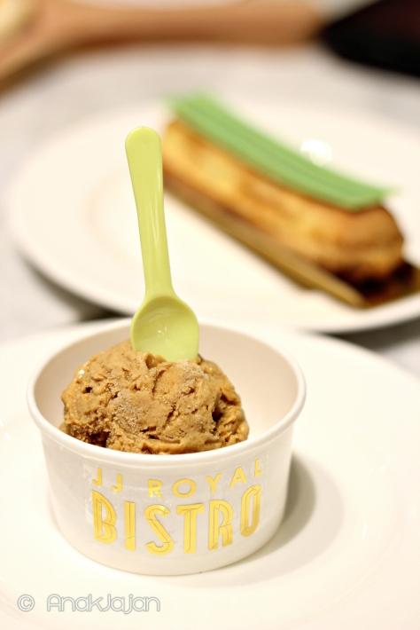 Caramel Ice Cream IDR 25k/scoop, Matcha Eclair IDR 30k