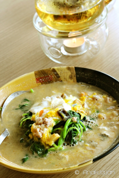 Poached Chinese Spinach w/ Egg Trio and Minced Pork in Superior Stock IDR 68k