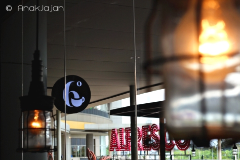 Alfresco Dining area - Mall Alam Sutera