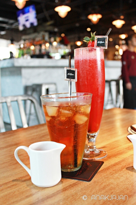 Lychee Iced Tea IDR 35k, Fresh Strawberry Juice IDR 35k