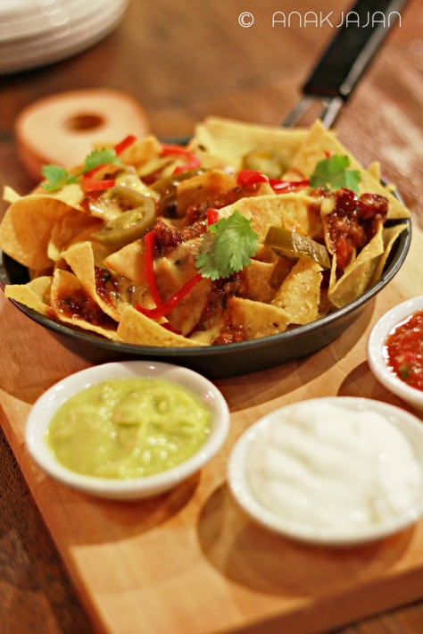 Nachos with Beef Chili Con Carne IDR 45k