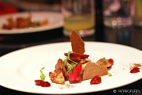 Foie Gras Torchon, Spiced Wine Fluid, Brioch, Cherrys & Plumb