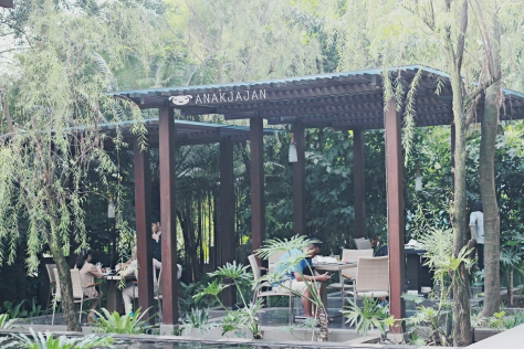 Outdoor area at Purnawarman Buffet Restaurant