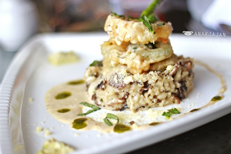 Risotto Arborio, risotto with organic mushroom, vegetable tempura, asparagus, pesto custard and mascarpone cream