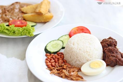 Nasi Lemak with Beef Rendang IDR 35k