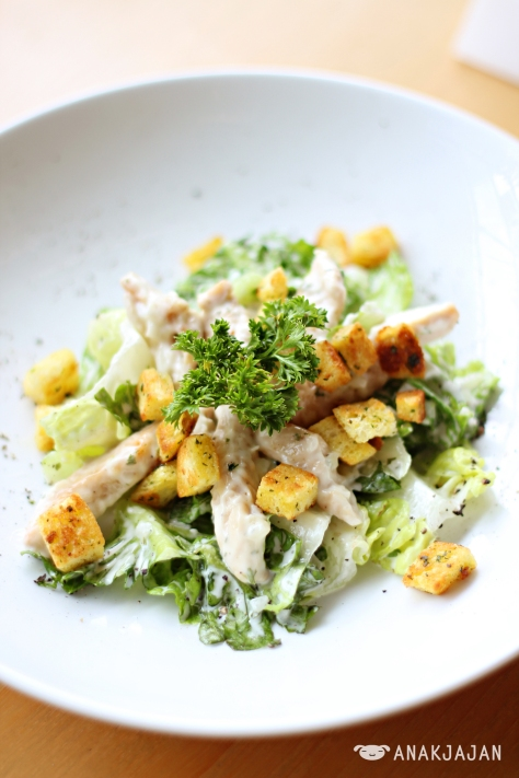 Chicken Caesar Salad IDR 27.5k