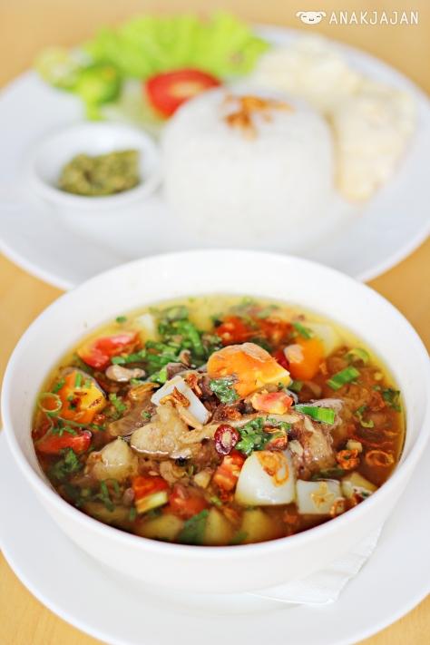 Sop Buntut IDR 69.5k (Soup)
