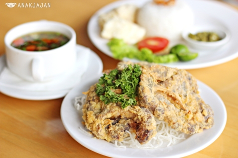 Sop Buntut IDR 69.5k (Fried)