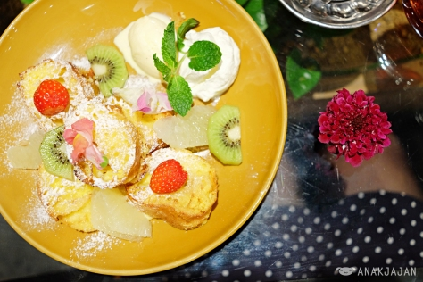 Flower french Toast 918 Yen