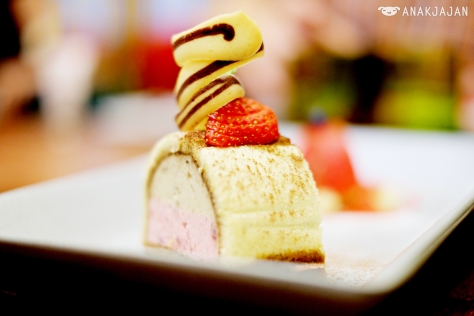 Banana and Strawberry Tiramisu IDR IDR 68k
