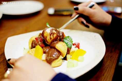 Chocolate Profiterole IDR 68k