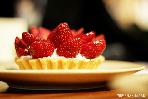 Strawberry Bloom Tart IDR 45k