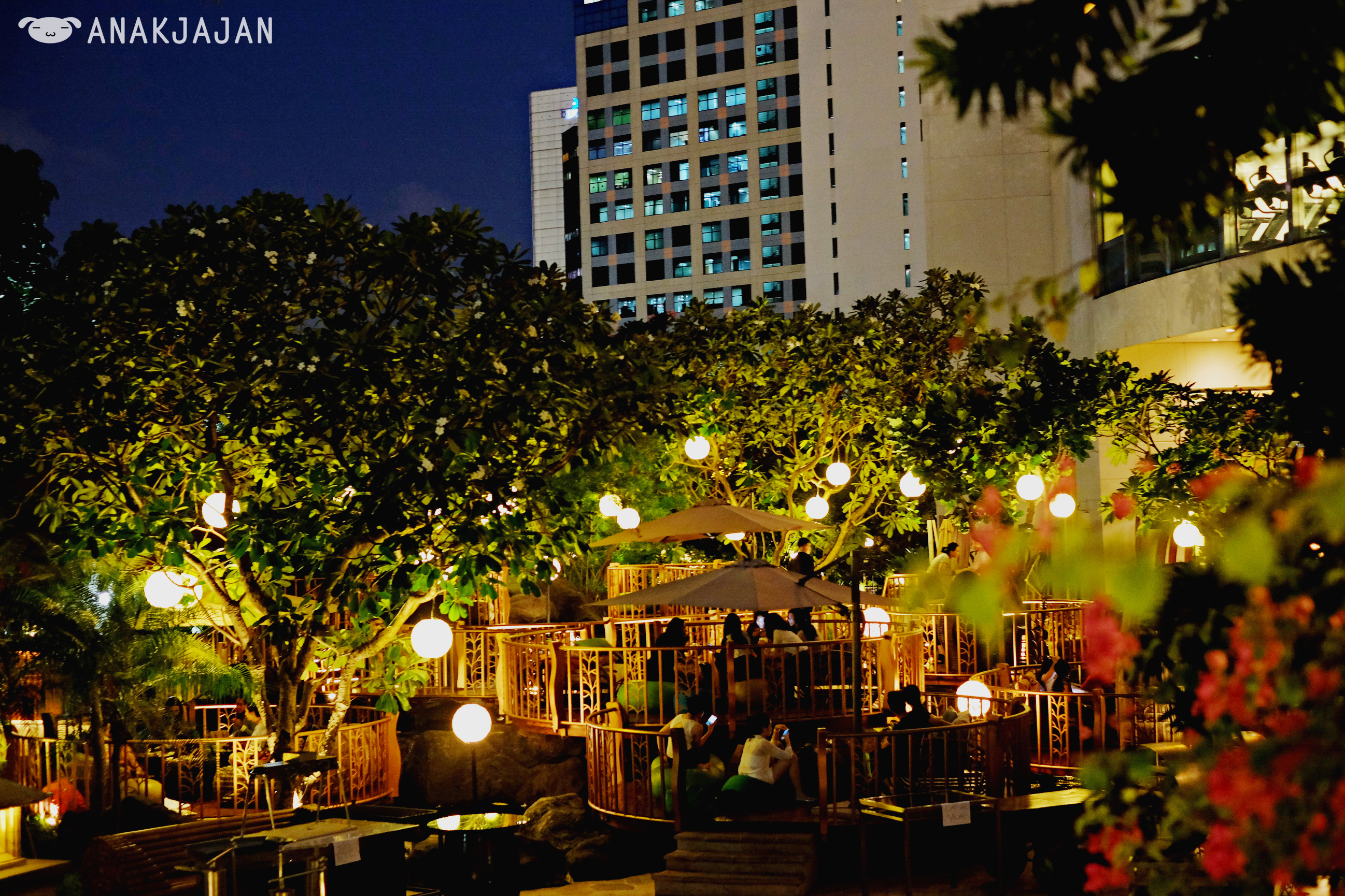 Jimbaran Outdoor Lounge Intercontinental Jakarta