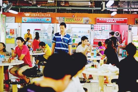 Can you spot the Nasi Kari Bagan Stall?? (Blue Banner)
