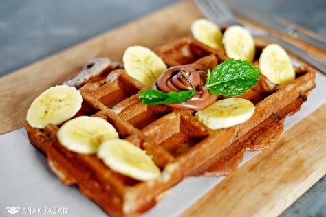 Waffle Oreo IDR 15k + Nutella IDR 10k + Banana IDR 5k