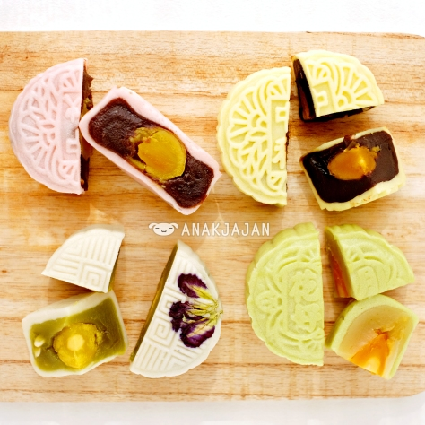 (clockwise) Red Bean, Chocolate, GreenTea, Original