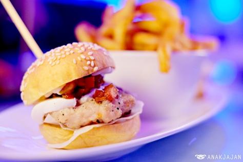 Lobster / US Beef Burger IDR 160k