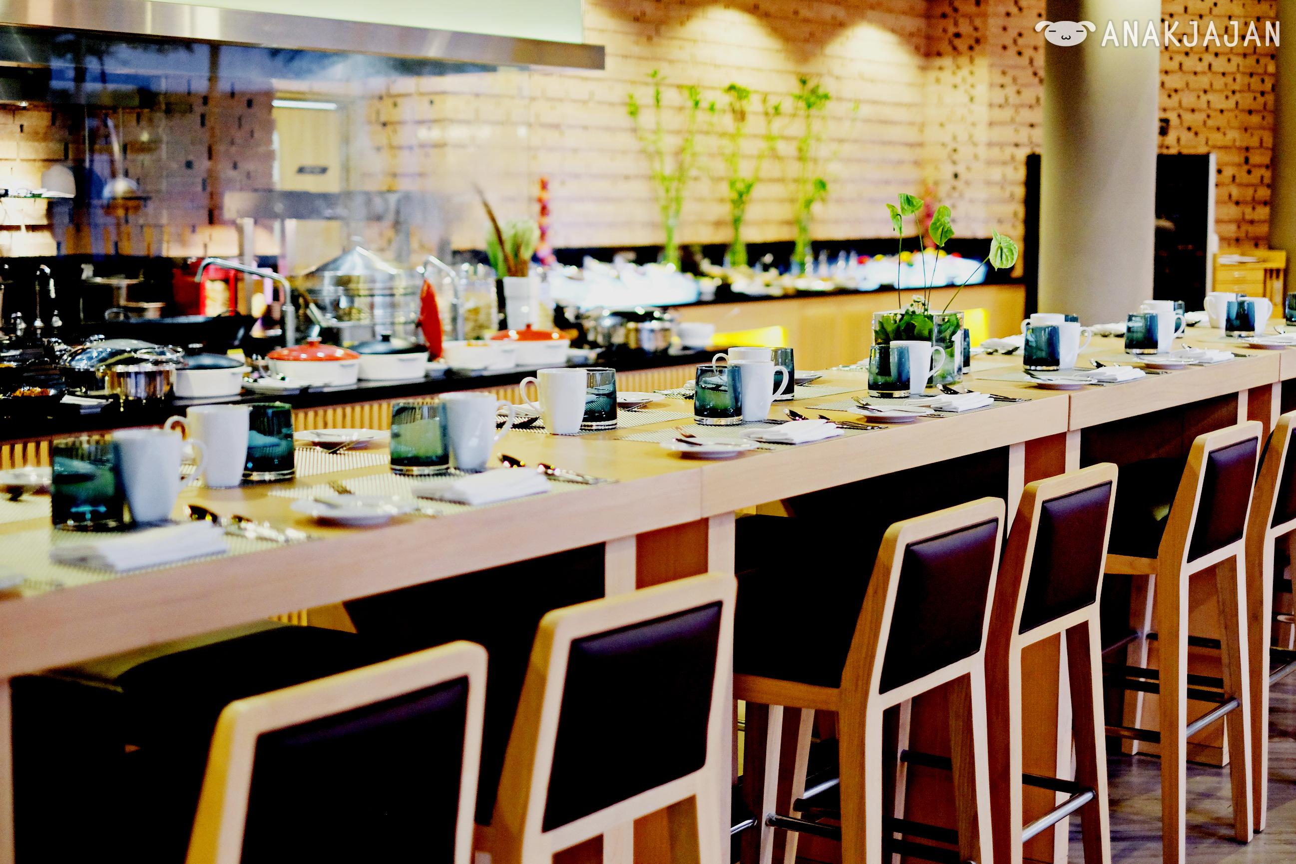Open Kitchen Salad Bar