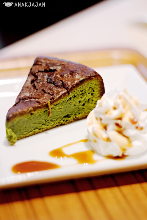 Matcha Gateaux Chocolat 580 yen (1yen = IDR 110)