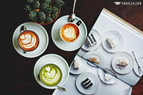 Magazine + Coffee + Plant = cheat formula