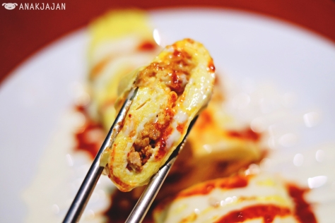 Chilli Chicken Egg Roll IDR 42k (Regular) / IDR 25k (Half)