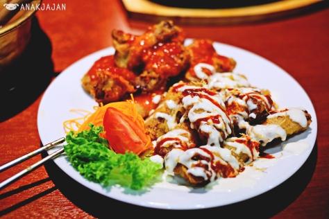 EQ Honey Fried Chicken IDR 38k (Small) / IDR 72k (Regular) / IDR 92k (Large); Ginseng Fried Chicken IDR 38k (Small) / IDR 72k (Regular) / IDR 92k (Large)