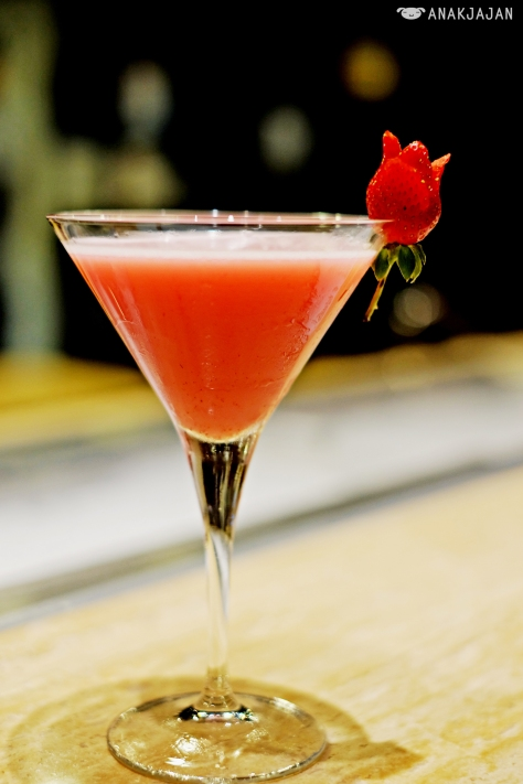 Strawberry Martini IDR 100k