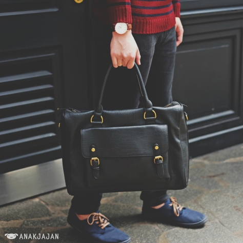 Watch, Daniel Wellington // Bag, Zara