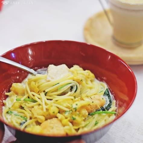 Salmon Cream Soup Spaghetti IDR 55k