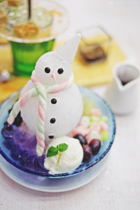 Blueberry Yukidaruma IDR 37k (Simple) / IDR 48k (Premium with Ice Mochi)