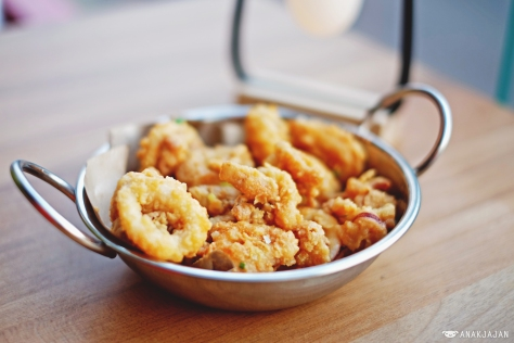 Batter-Fried Squid Tossed with Salted Egg IDR 48k