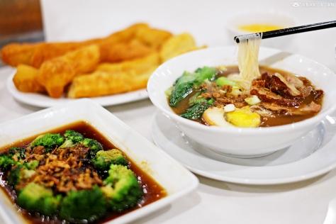Mee Sua with Sliced Pork IDR 29k,  Fried Dough (Cakwe) IDR 12k, Broccoli with Mushroom IDR 28k