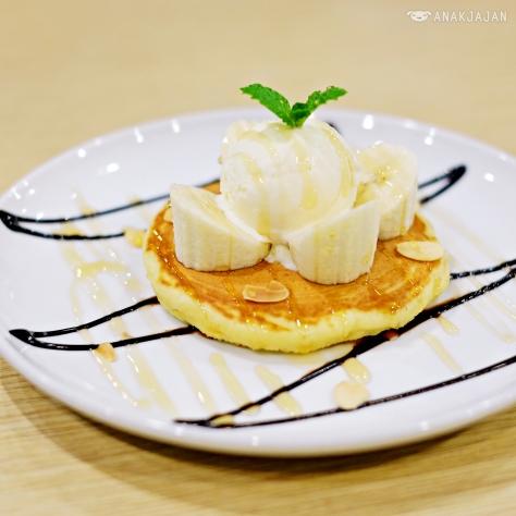 Banana Choco Caramel Pancake IDR 20k