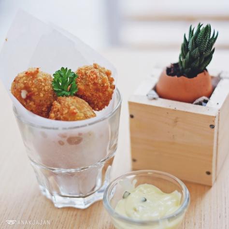Mozarella Chicken Balls IDR 32k