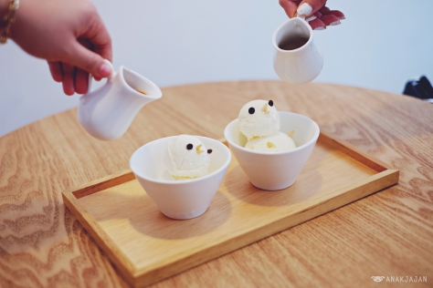 Chick Affogato IDR 35k / Chick Affogatea IDR 35k