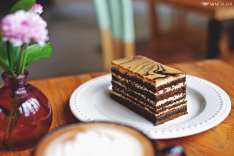 Peanut Butter Marble Cake IDR 30k