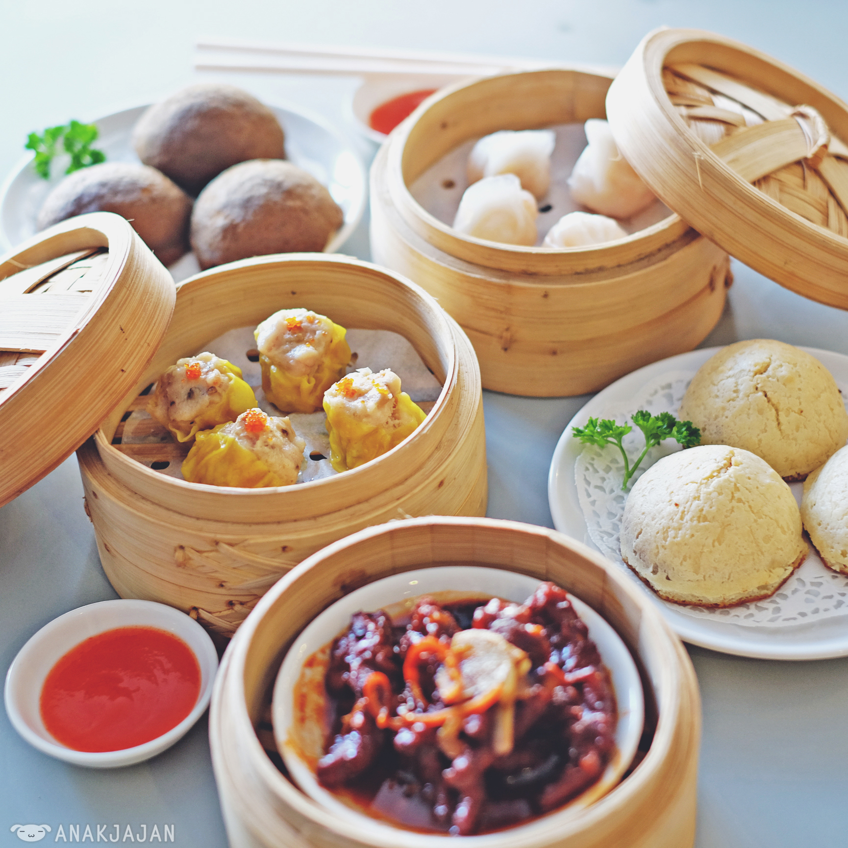 D lantern chinese cuisine and dim sum pantai indah kapuk for All about chinese cuisine